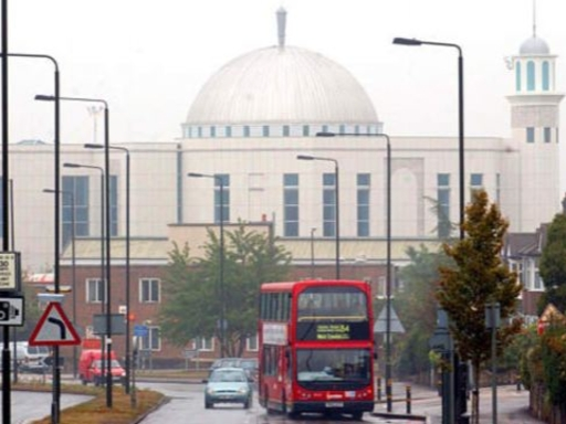 Мечеть в пригороде Лондона