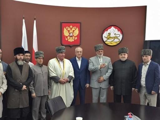 Муфтии Северокавказских регионов на встрече с врио главы РСО-Алания Тамерланом Агузаровым