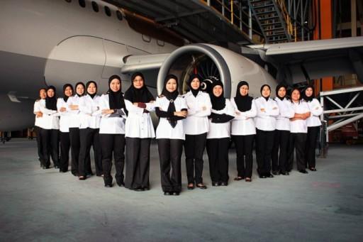 Первый в мире женский мусульманский лётный экипаж появился в Брунее
