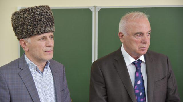 Глава Адыгеи А. Тхакушинов и муфтий ДУМ РА и Кк А.Карданов