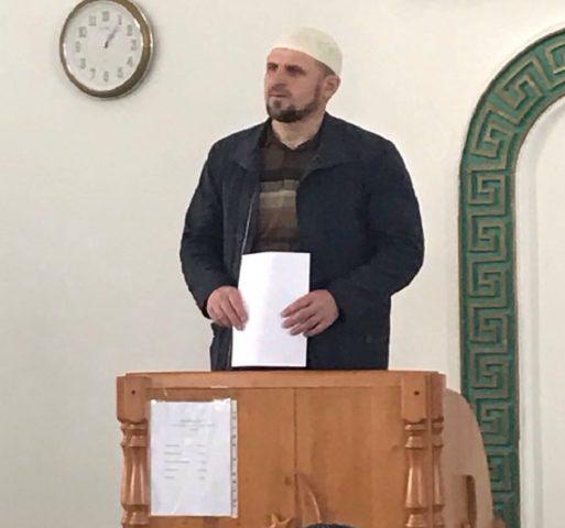 Шхалахов И. проводит проповедь
