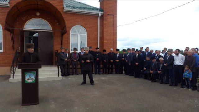 Муфтий А.Карданов на открытии мечети в а.Натухай