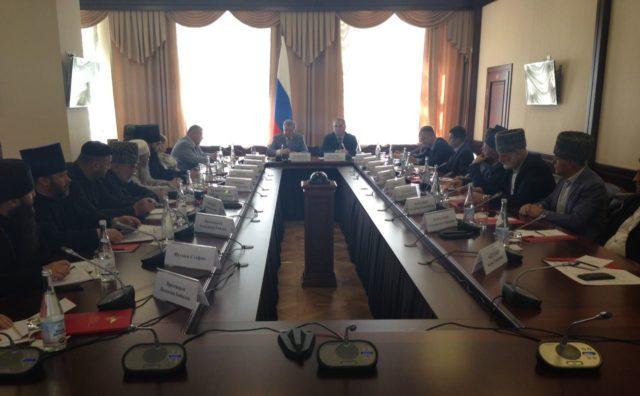 Рабочая встреча  полномочного представителя Президента РФ в СКФО с представителями духовенства
