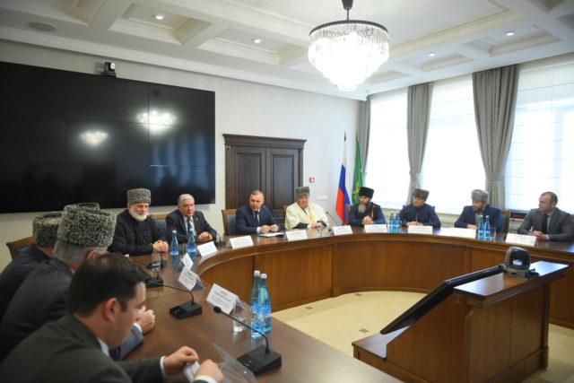 В Адыгее состоялось расширенное заседание Совета Координационного центра мусульман Северного Кавказа и Круглый стол «Роль и место ислама в современном миропорядке»