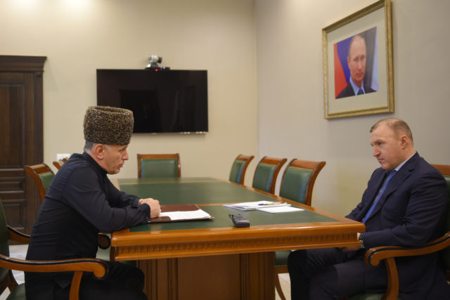 Глава Республики Адыгея провел встречу с Муфтием ДУМ РА и Кк