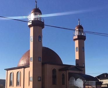 Муфтий ДУМ РА и Кк Карданов Аскарбий посетил Гавердовскую мечеть