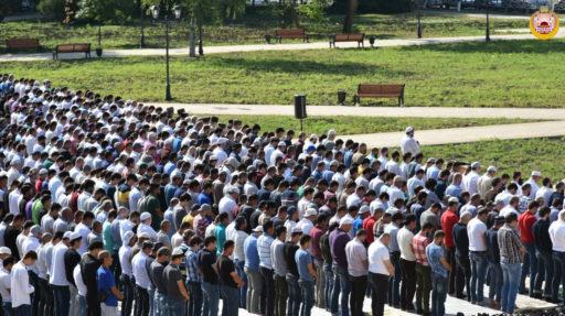 Мусульмане Республики Адыгея и Краснодарского края отмечают праздник разговения Ид аль-Фитр (Ураза-Байрам)