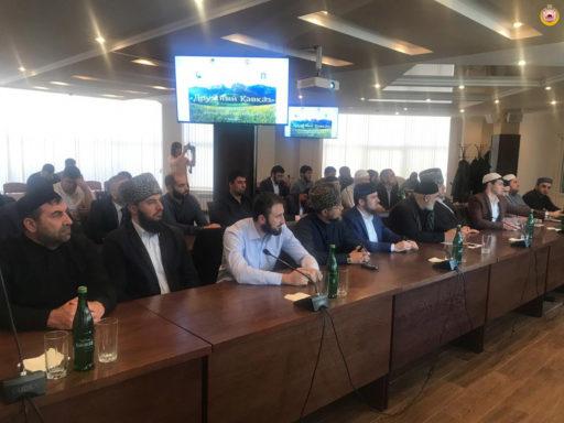 В Майкопе состоялся Молодежный форум межконфессионального клуба «Дружный Кавказ»