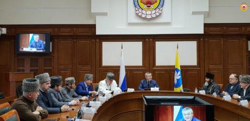 Глава Калмыкии наградил муфтия А.Х. Карданова медалью