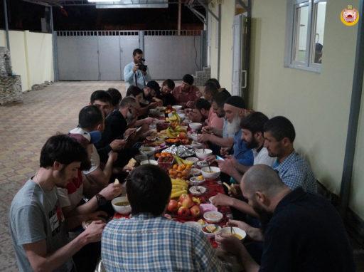 ДУМ РА и КК организовало ифтары в Абхазии