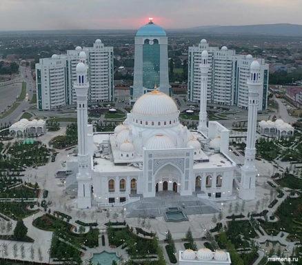 Муфтий А. Карданов принял участие в открытии мечети «Гордость мусульман» (г. Шали)